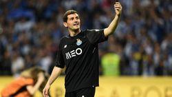 Iker Casillas Pensiun, Ini Aksi Kerennya di Bawah Mistar Gawang