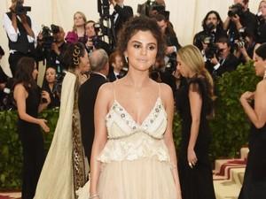 Selena Gomez Tak Lagi Tertarik dengan Justin Bieber, Beneran?
