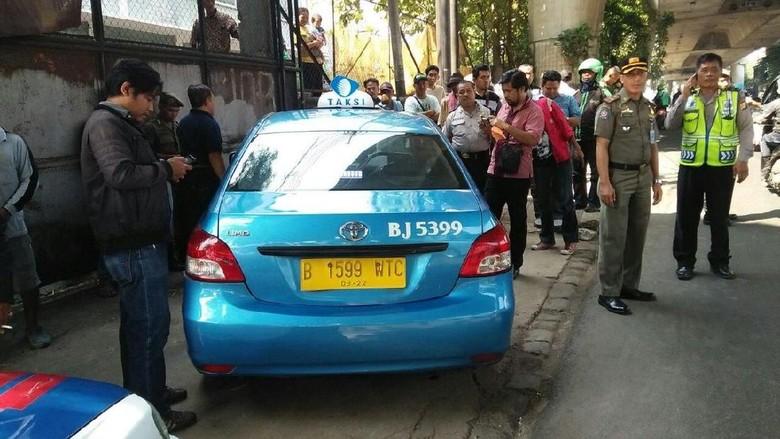 Sopir Taksi Ditemukan Tewas di Kemang