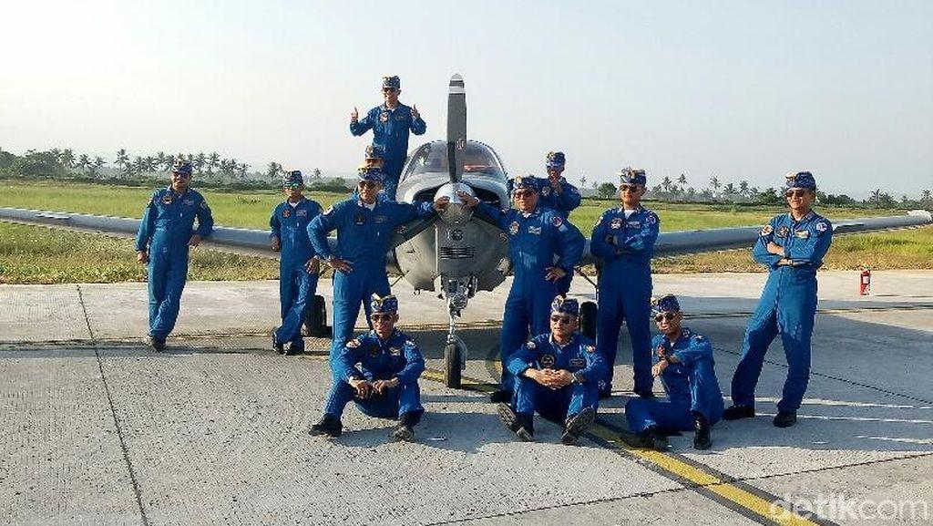 Tim Akrobatik Pesawat Neptunus TNI AL, Mau Kenalan?