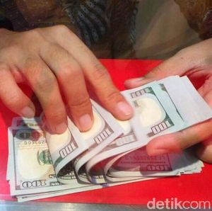 Menguat, Dolar AS Parkir di Level Rp 14.397