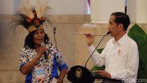 Perempuan Papua Penangkap Buaya yang Bikin Kaget Jokowi