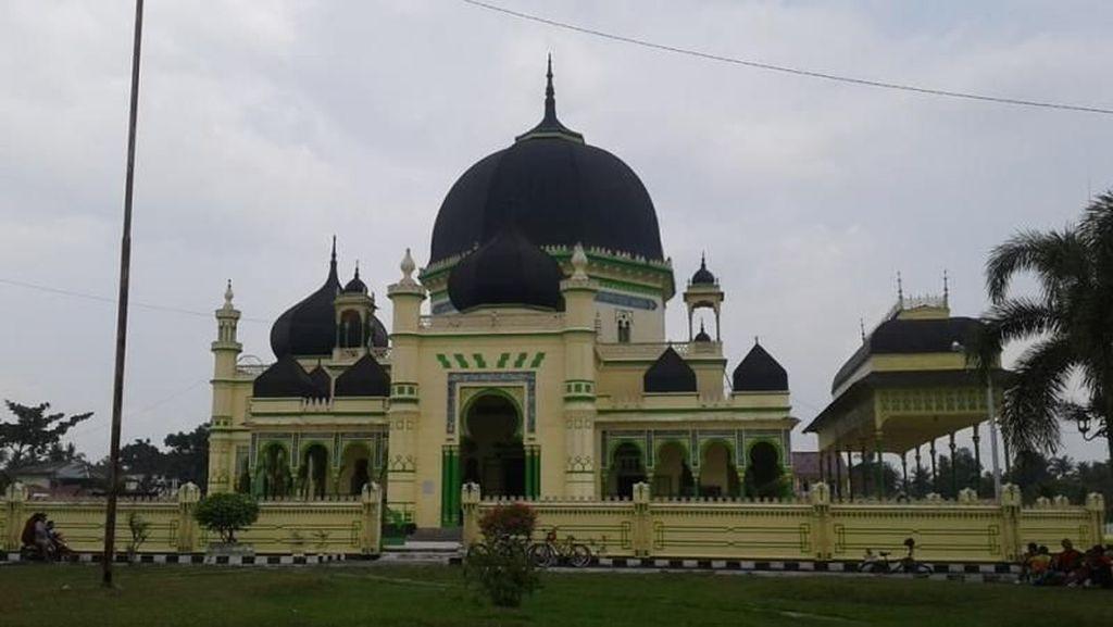 Cantiknya Masjid Bergaya Timteng & India di Aceh