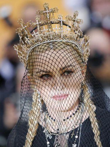 Rinaldy juga pernah merancang mahkota salib untuk Madonna pakai di MET Gala 2018.