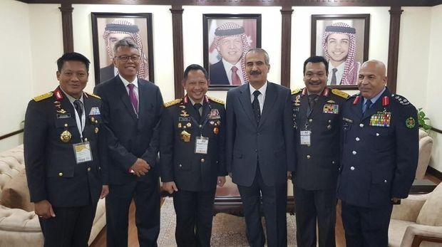 Kapolri Tawarkan Kerjasama Keamanan ke Mendagri Yordania