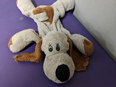 Boneka Anjing Ketinggalan di Bandara, Netizen Bantu Cari Pemiliknya