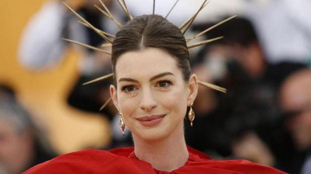 Anne Hathaway didapuk menjadi duta perempuan untuk PBB.