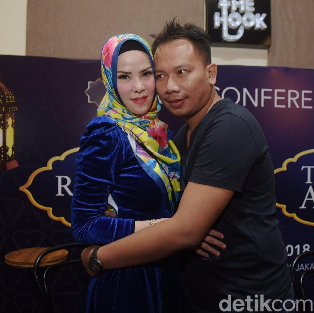 Ingin Lapor Balik, Angel Lelga Diam Saat Tiba di Polda Metro Jaya