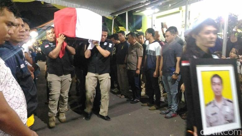Ketua DPR Berduka atas Gugurnya 5 Polisi Korban Rusuh Mako Brimob