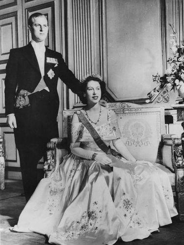 Pangeran Philip dan Ratu Elizabeth II di masa awal pernikahannya.