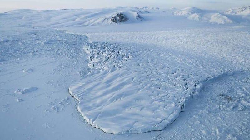 Ada di ujung utara Pulau Ellesmere di wilayah Nunavut, Kanada, bukan hanya pemukiman paling utara yang bumi. Di sana ada juga Bandara Alert yang letaknya ada di paling utara di bumi ini (CNN Travel) Travel)