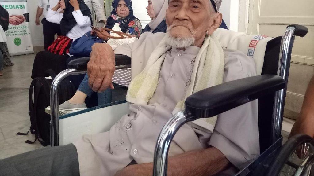 Kakek 89 Tahun Diadili, Sempat Masuk Klinik Saat Tunggu Sidang