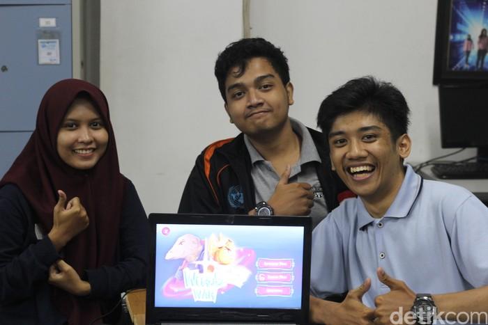 Tiga mahasiswa ITS pencipta aplikasi game dengan kendali suara. (Foto: Ongq Rifaldy Litualy)