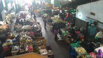 Harga Daging Ayam dan Telur Merangkak Naik di Situbondo