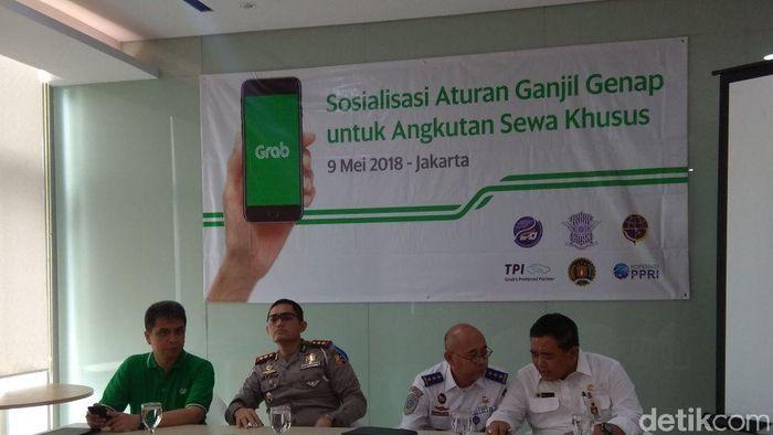 Sosialisasi ganjil genap untuk taksi online/Foto: Trio Hamdani/detikFinance