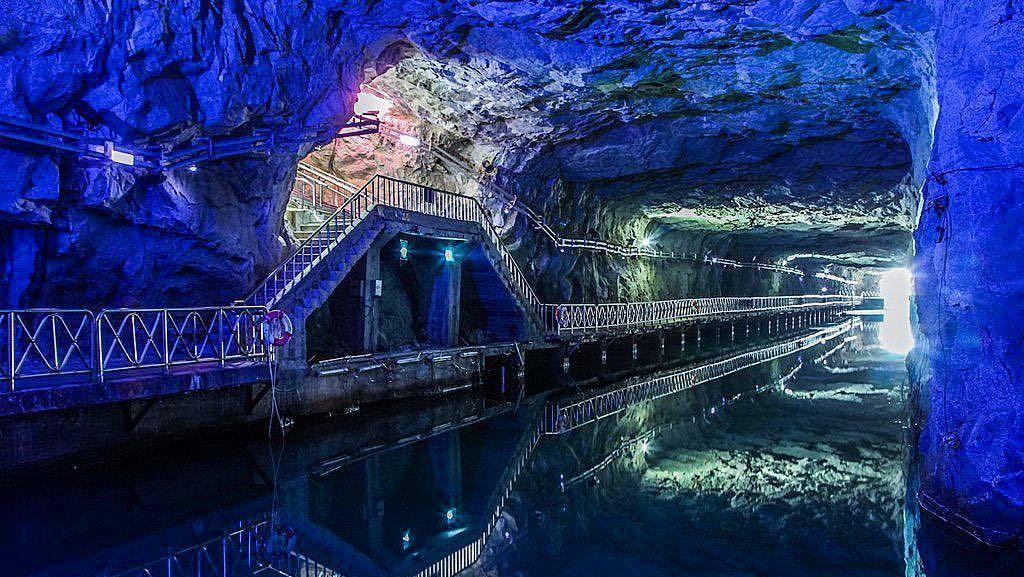 Foto: Terowongan Perang yang Jadi Tempat Konser