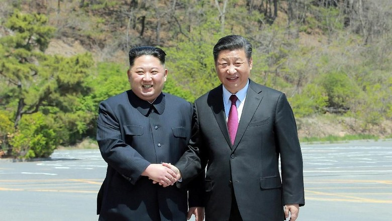Presiden China Kirimi Kim Jong-Un Ucapan Selamat HUT Korut ke-70