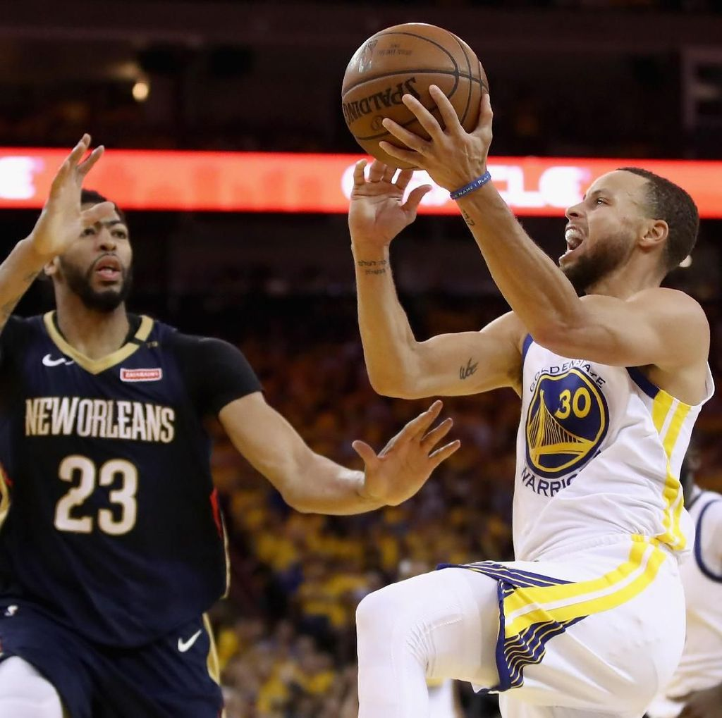 Warriors Hadapi Rockets di Final Wilayah Barat