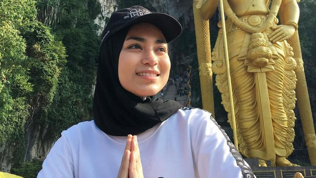 Liburan si Cantik Uyaina Arshad, Putri Muslimah Asia 2018