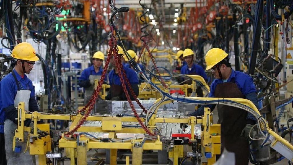 Pabrik Wuling Pakai Kipas Besar Agar Pekerja Nggak Kepanasan