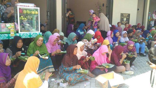 Menyantap Mides khas Pundong, Bantul.