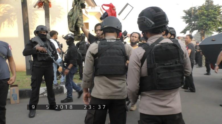 Kompolnas Apresiasi Polisi yang Tetap Dingin Hadapi Teroris