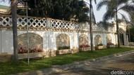 Istana Rp 15 M Milik Sule dan Senandung Sang Pelawak