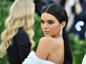 Sebut Kendall Jenner Pemberani karena Makan Banyak, Situs Ini Dikritik Netizen