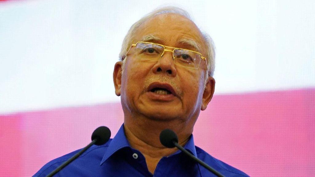 Di Depan Para Pendukungnya, Najib Bantah Curi Uang Rakyat