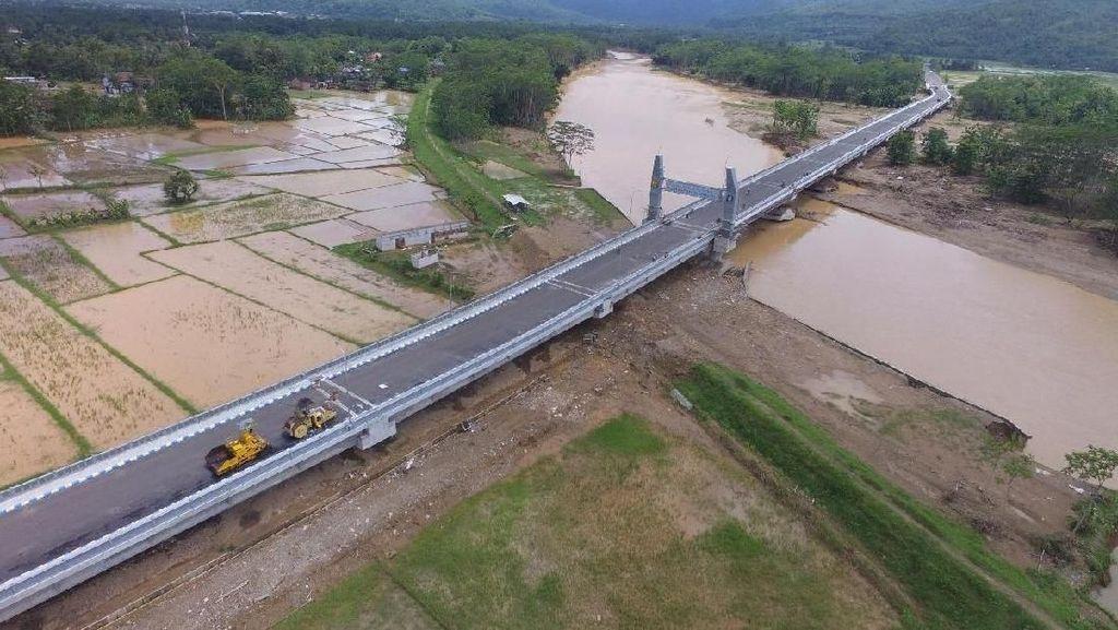 Megahnya 2 Jembatan di Pantai Selatan Jawa