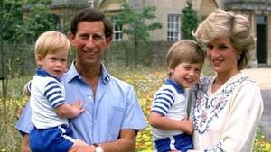 Nostalgia Masa Kecil Pangeran Harry Bersama Putri Diana