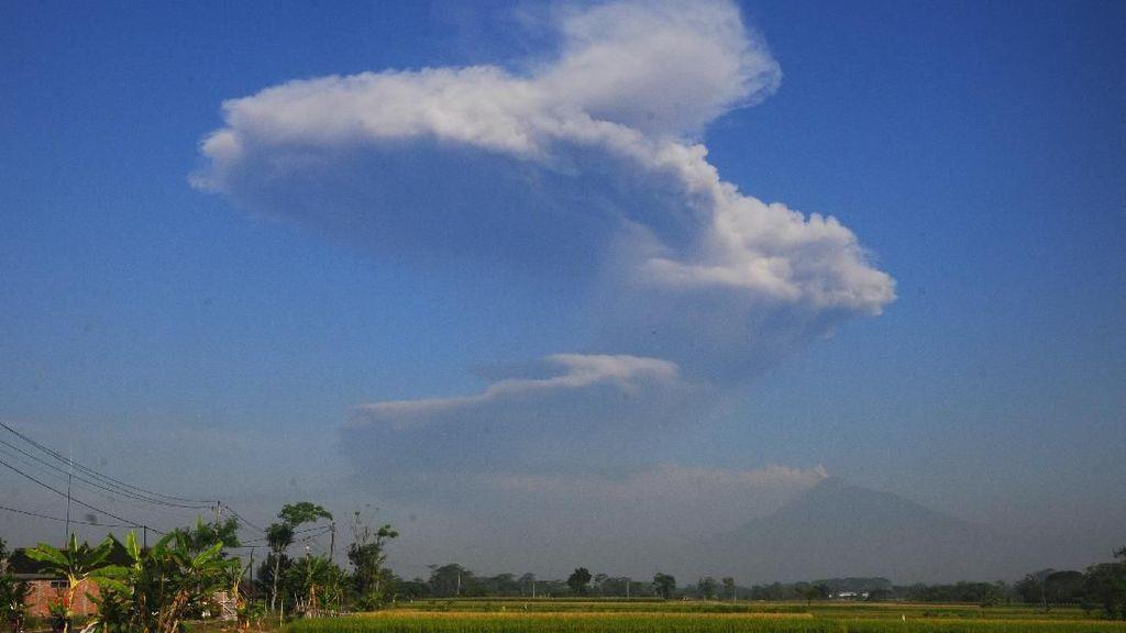 Menjelaskan Erupsi Freatik Gunung Merapi pada Anak