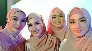 Cantiknya Dewi Persik Kenakan Hijab