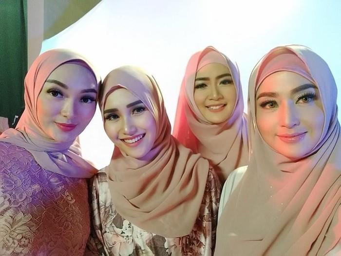 Dewi Persik  hingga Ayu Ting Ting Pakai Jilbab. Foto: Instagram/Dewiperssikreal
