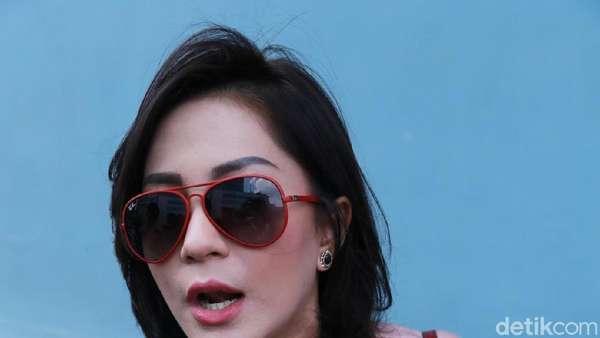 Rahma Azhari Masih Hot, Adipati Siap Lebaran di London