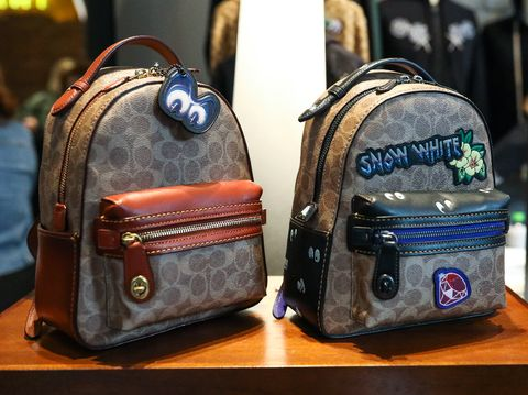 Tas punggung klasik Coach dengan sentuhan Disney.