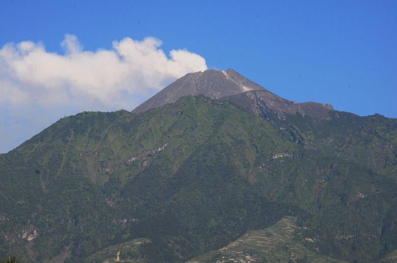Status Gunung Merapi Naik Menjadi Waspada