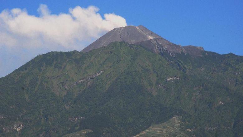 Gunung Merapi Erupsi, Warga Diminta Jauhi Radius 3 Km