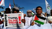Umat Islam Surabaya Gelar Aksi Bela Palestina di Konjen Amerika