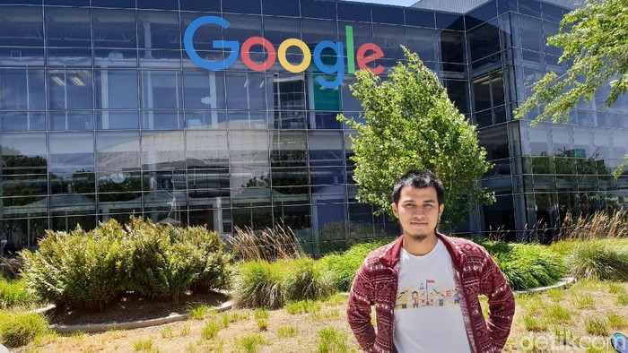 Hamdanil Rasyid, pemuda asal Pekanbaru, Riau yang bekerja di kantor pusat Google di Mountain View, Amerika Serikat. Foto: Fino Yurio Kristo/detikINET