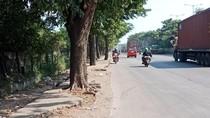 Trotoar di Jalan Cakung Cilincing Tak Ramah Pedestrian