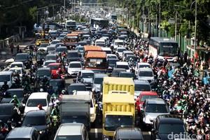 Ini Cara Ampuh Berkendara Mobil di Bulan Ramadan