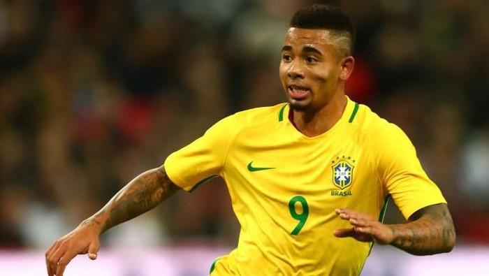 Striker Timnas Brasil di Piala Dunia 2018, Gabriel Jesus mengaku punya kebiasaan tak sehat. Dulu, hampir setiap hari ia mengonsumsi junk food dan kue kering. Foto: Clive Rose/Getty Images