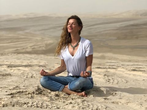 Tak Lagi Menyusui, Giselle Bundchen Tetap Simpan ASI sebagai Obat