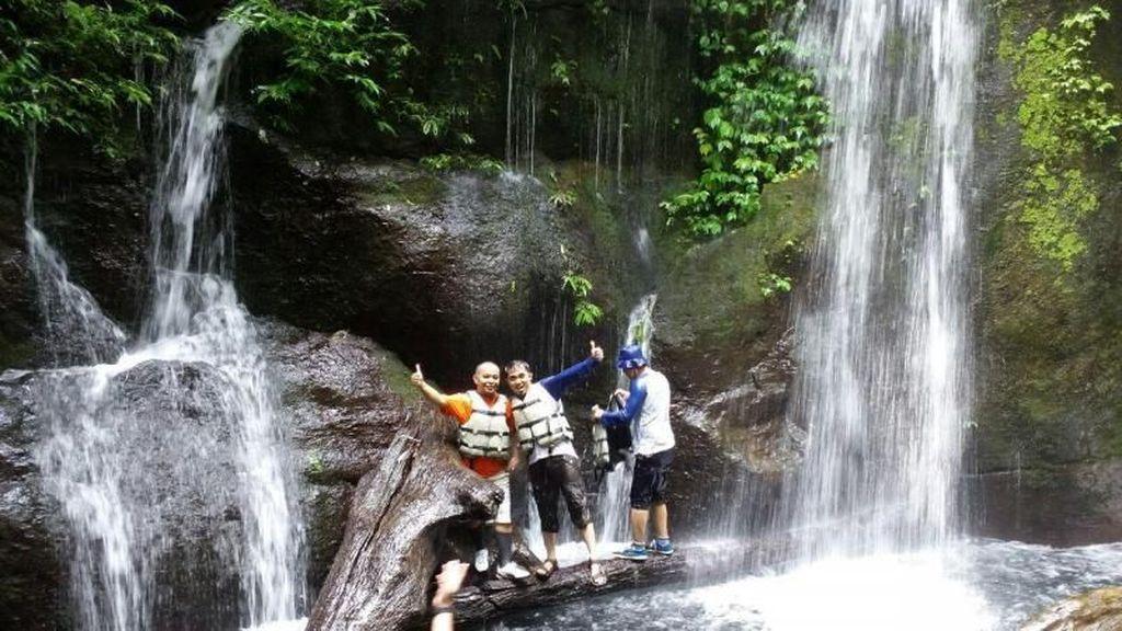 Yang Segar & Dingin di Sumatera Utara: Air Terjun Teroh-teroh