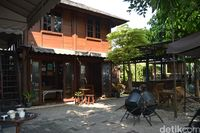 Din's Cepa Kopi: Segarnya Jus Kopi Aceh Gayo Premium di Kafe yang Asri
