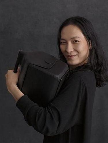 Cooler Bag karya Alexander Wang.