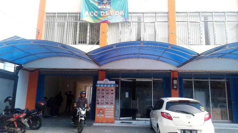 Polisi Dalami Motif Debt Collector Bawa Samurai di Kantor ACC