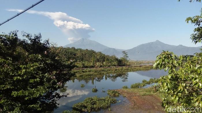 Gunung Merapi meletus freatik, berbeda dengan tahun 2010. Foto: Eko Susanto/detikcom
