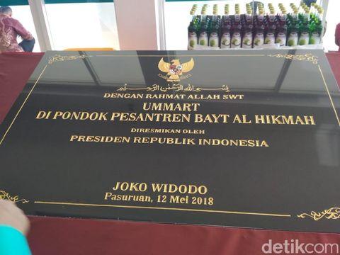 Prasasti peresmian untuk ditandatangani Presiden Jokowi